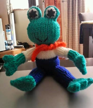 Loving Hands Knitting Patterns : The Nutty Knitter: Fred the Frog