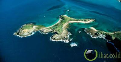 6 Pulau indah yang jarang kita dengar namanya