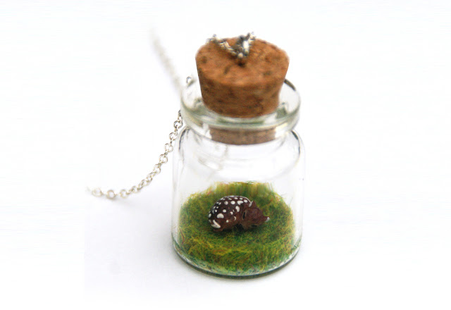 https://www.etsy.com/uk/listing/171212205/fawn-jar-woodland-necklace-miniature