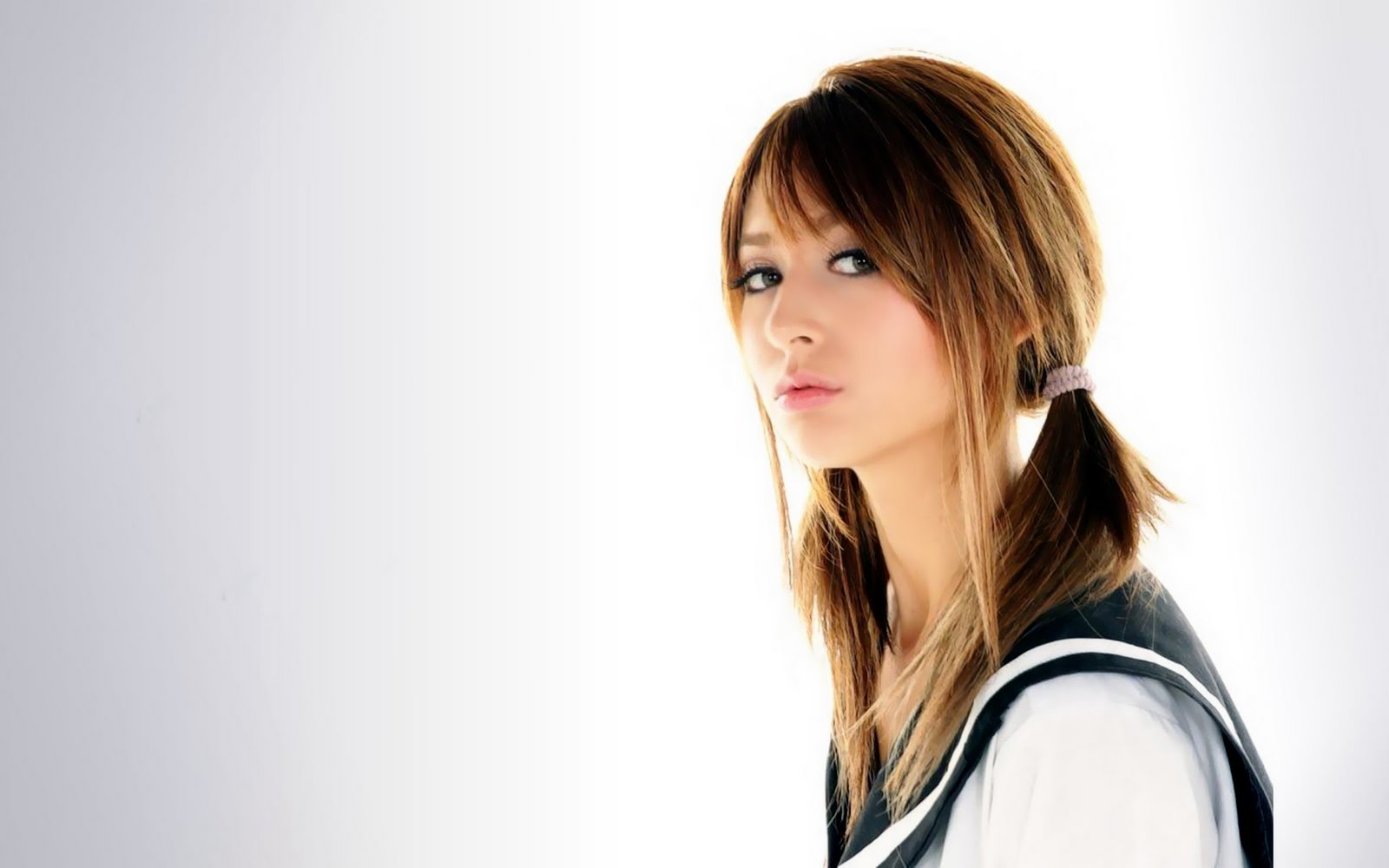 http://3.bp.blogspot.com/-cEXJInLUGW8/TsJ1NsYk5WI/AAAAAAAAAQk/jnfUF_FIG7o/s1600/Beauty%2B3.jpg