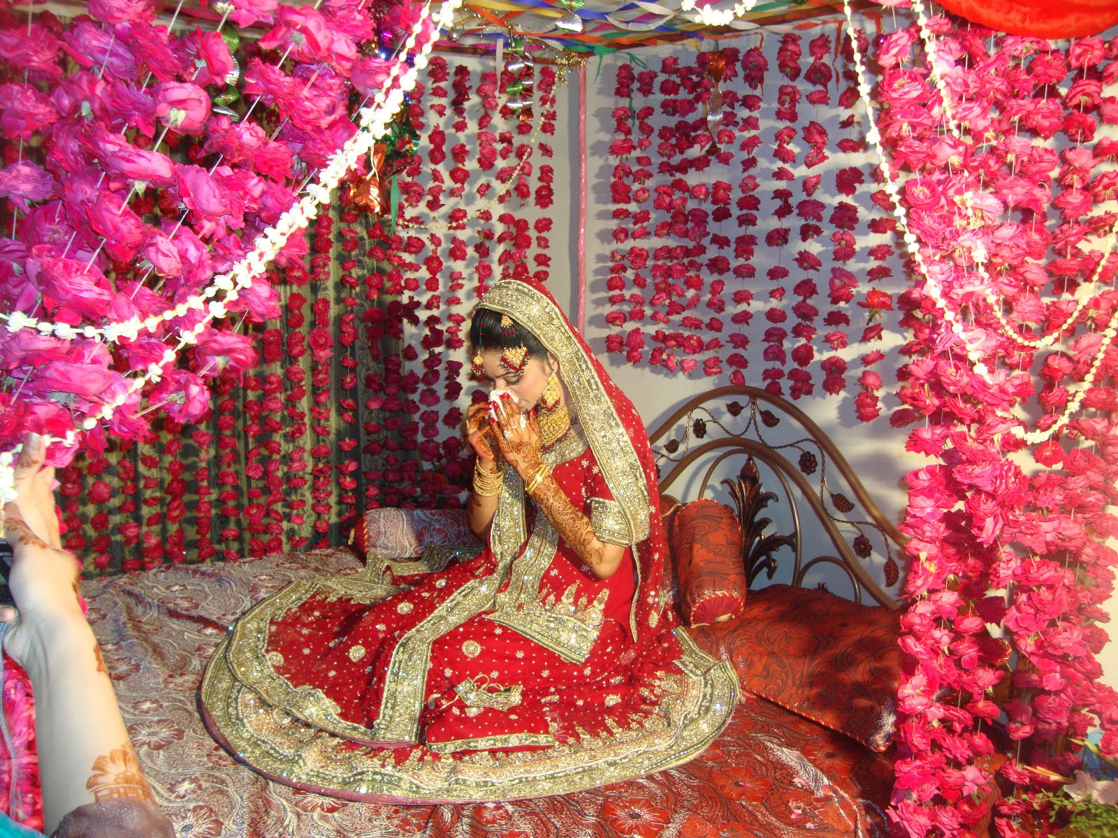 Asian wedding blog jugnu wasim makeup for Suhagrat bed decoration design