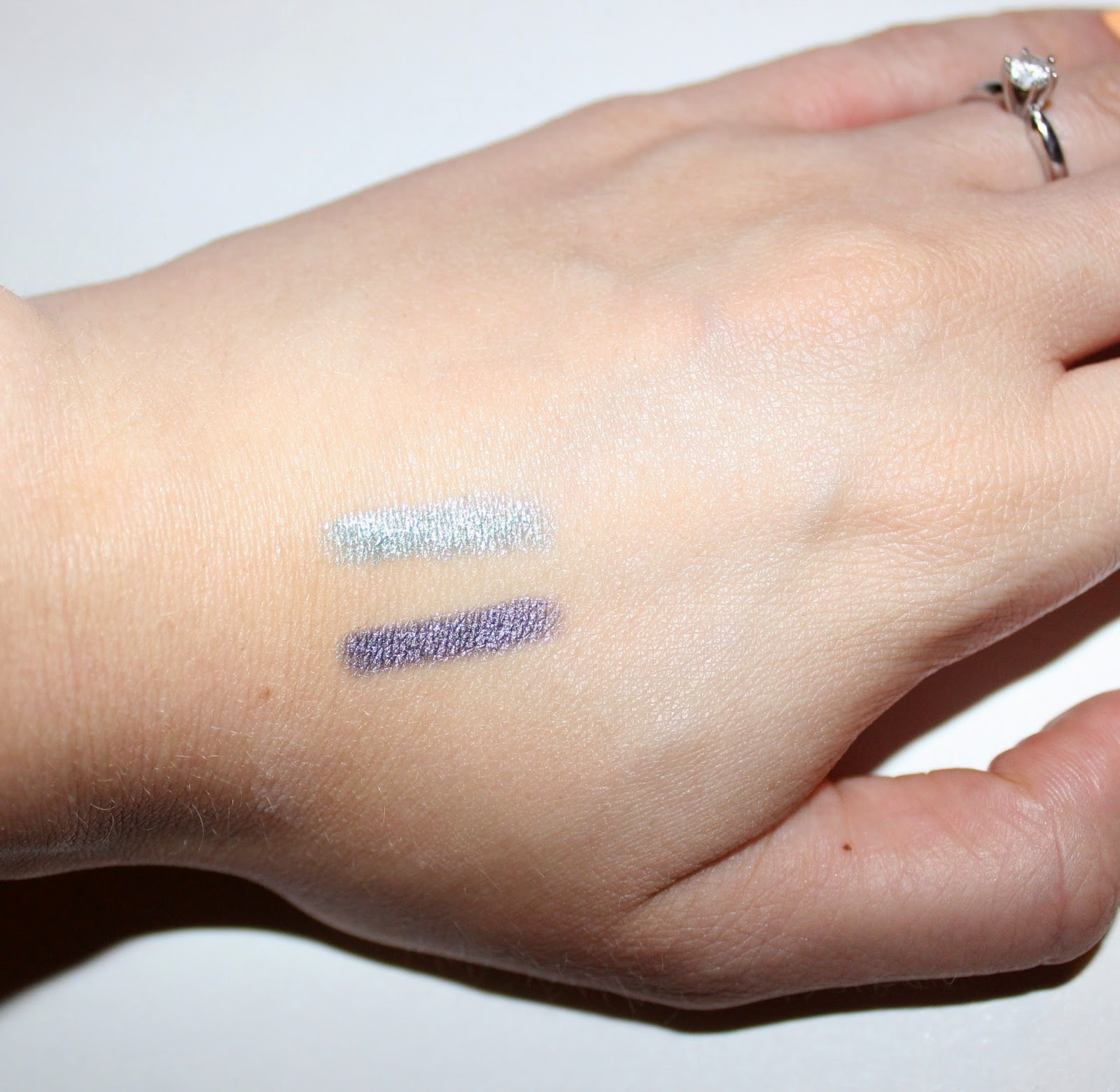ARTDECO Long-Lasting Eyeshadow Stick Swatches