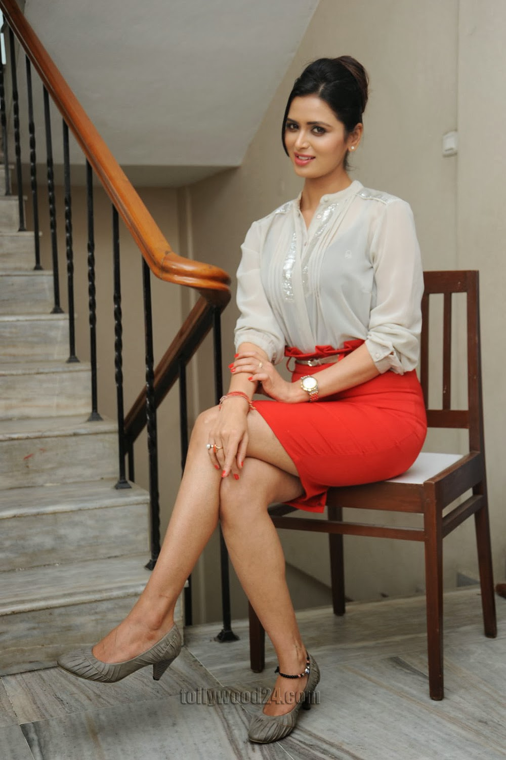 Glamorous Meenakshi Dixit Photos-HQ-Photo-12