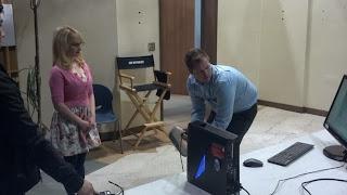 El escaner 3d EVA escanea a Bernadette de Big Bang Theory