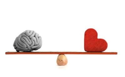 [Jeu] Le bal des masques du posteur du haut Mon+cerveau+vs+mon+coeur