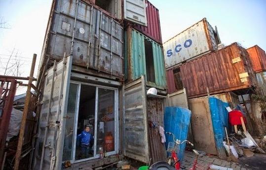 Rakyat Miskin di China Hidup Dalam Kontena Lama