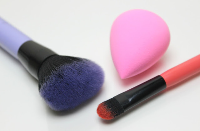 A picture of Lottie London Makeup Brushes