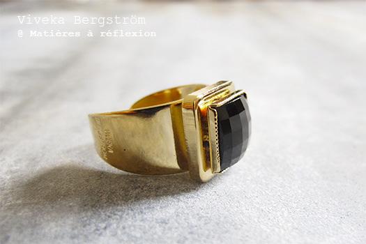 Bague retro Viveka Bergstrom bijoux avec son cristal noir