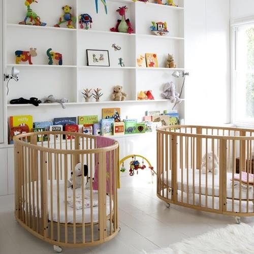 Bebê no quarto do casal