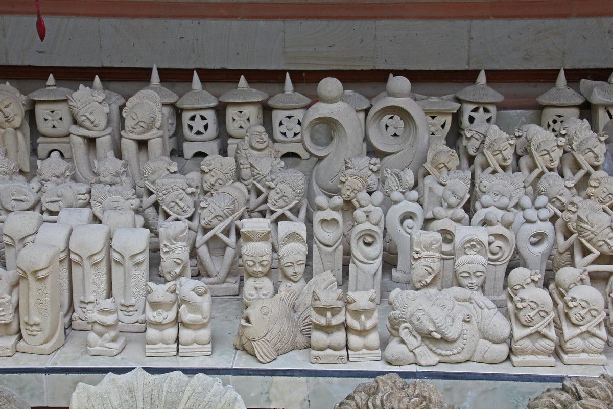 Bali land villa carving