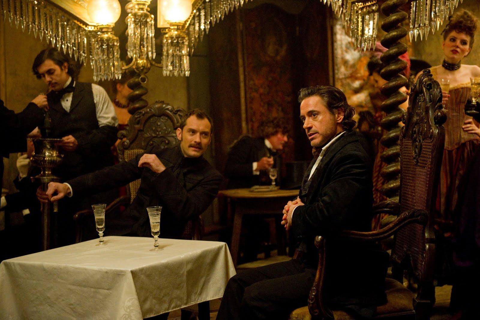 http://3.bp.blogspot.com/-cFiYLFNvD08/TuyfoX2ftOI/AAAAAAAACIo/4qKFtWXmlvQ/s1600/Sherlock-Holmes-A-Game-of-Shadows-image-Robert-Downey-Jr-Jude-Law-1.jpg