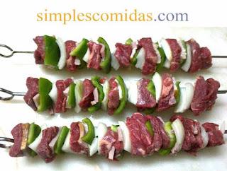 brochetas de carne cuadril