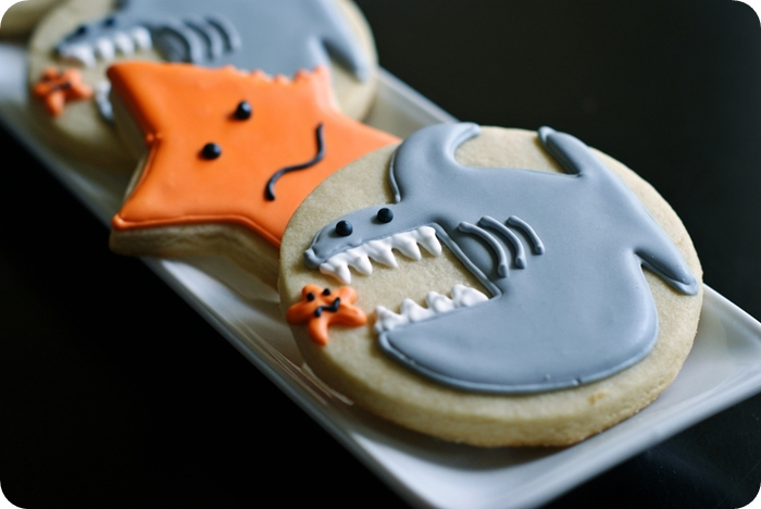 shark week cookies ::: bake at 350 blog