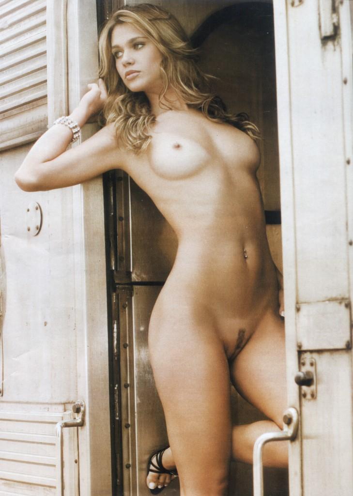 никола пельтц фото голая