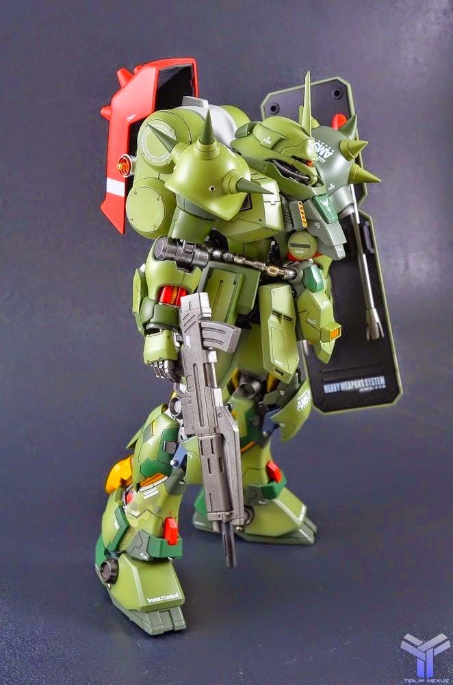 MG Geara Doga modeled by Mennie Studiophoto