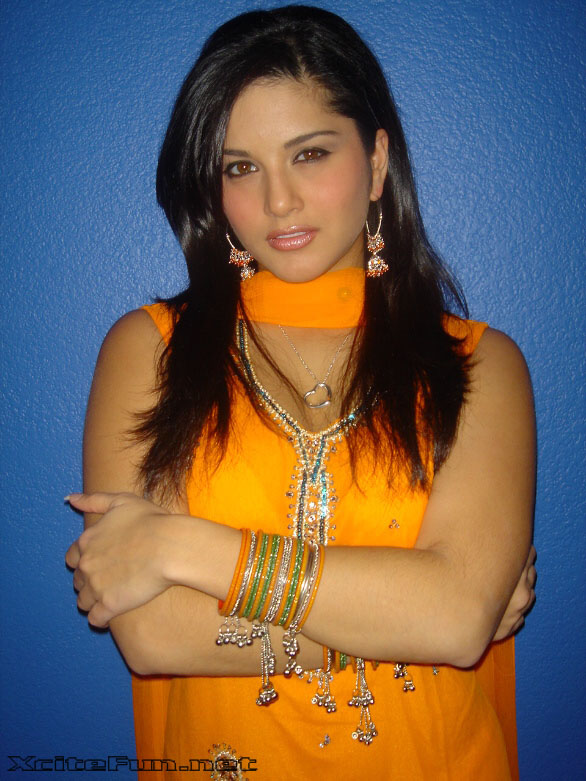 from Ayaan sex sunny leone young