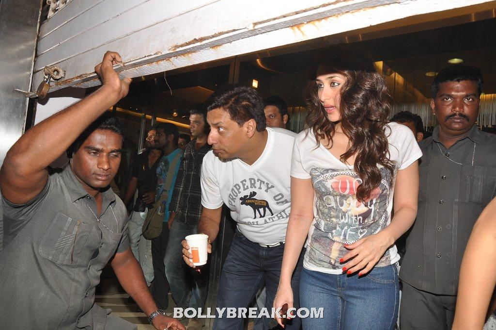 Kareena kapoor on set of heroine -  Kareena kapoor heroine movie in the sets in white top