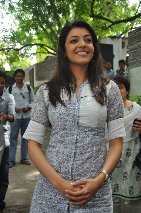 kajal agarwal at dhada pressmeet, kajal new hot images