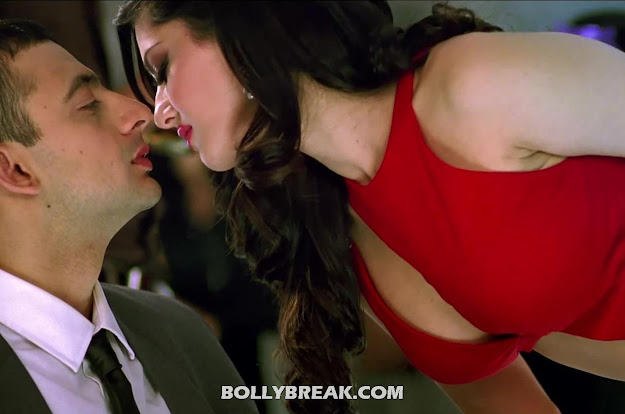 Sunny Leone Kissing Stills Jism 2