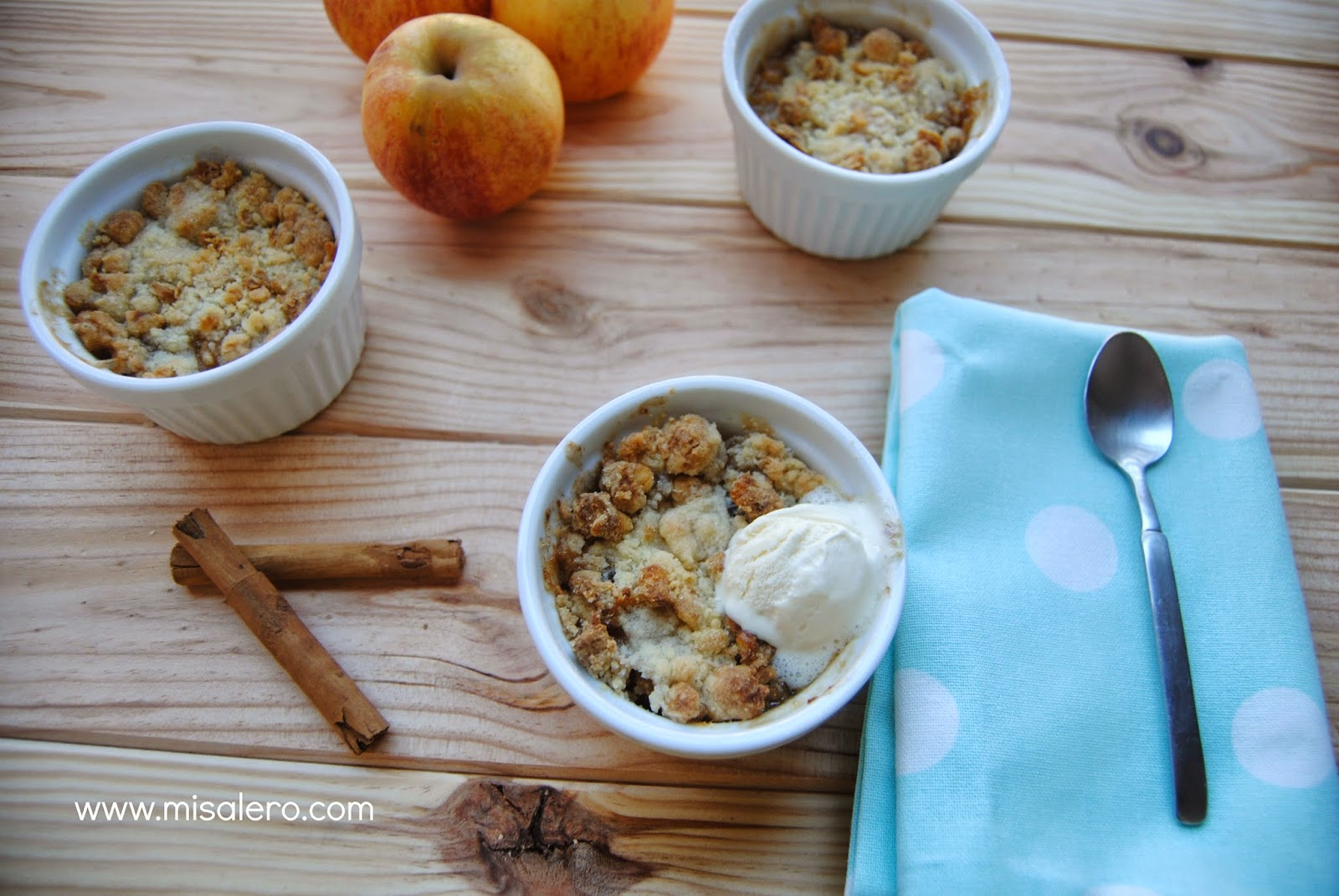 http://misalero.com/2014/12/apple-crumble.html