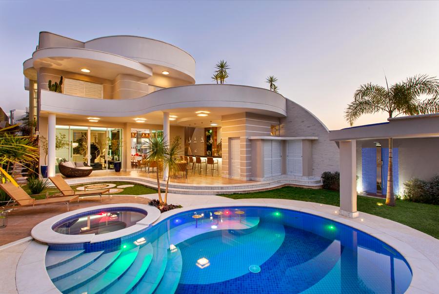 Casa sobrado com fachada moderna em terreno 12x30 for Piscinas para casas modernas