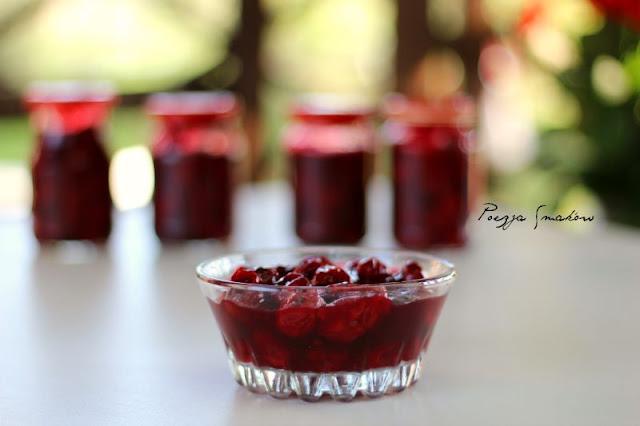 Dżem wiśniowy - idealny do deserów.