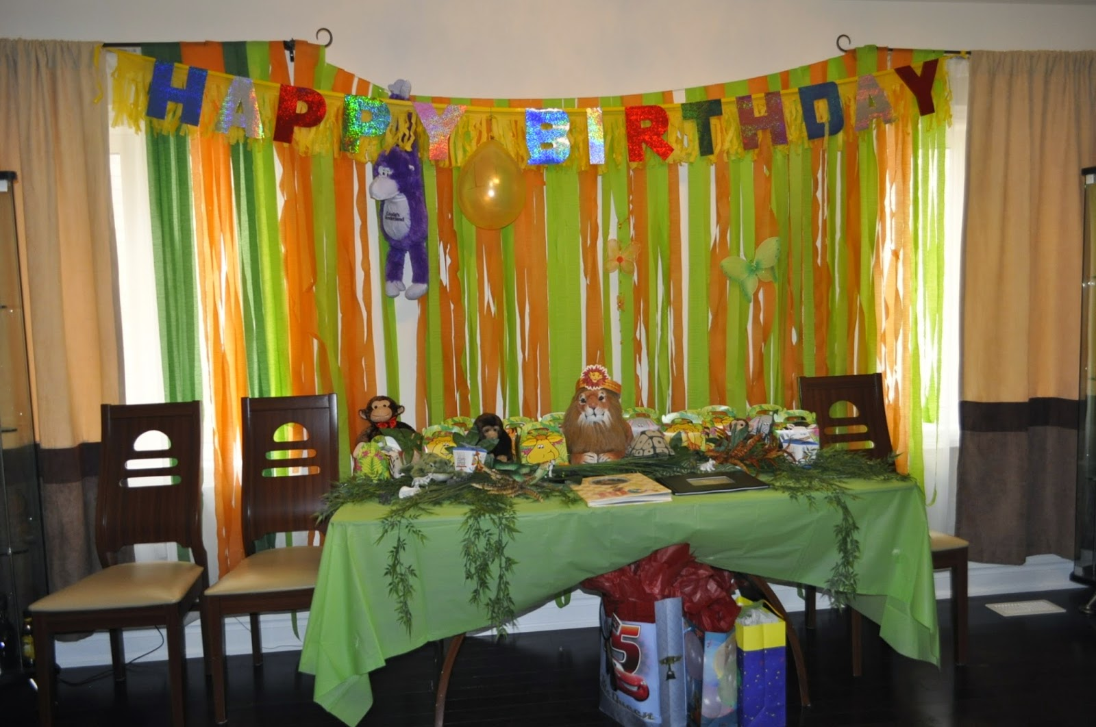 The most amazing diy lion king birthday party busy mama take a walk on the wild side to celebrate your childs name 1st birthday with lots of fun entertainment for both kids and adults filmwisefo