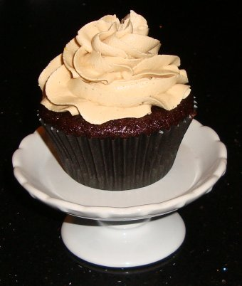 Sarah's Kitchen: Chocolate Cupcakes with Biscoff Buttercream