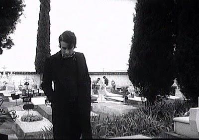 Leopoldo María Panero en una escena de El desencanto (1974)