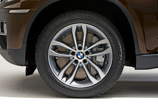 2013 new BMW X6 restyled wheel tyre tire rim official press image
