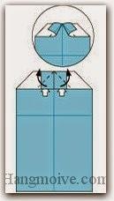 Bước 9: Mở hai lớp giấy trên cùng ra, kéo và gấp hai lớp giấy lên trên.