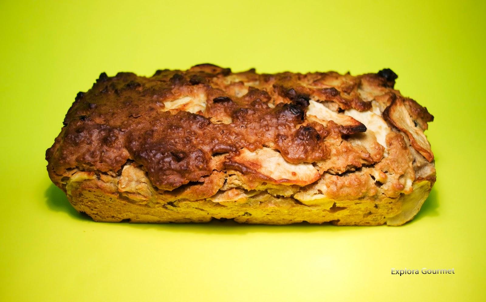 Pan integral con avena y manzana