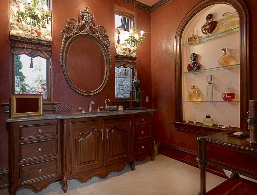 Victorian gothic interior style victorian gothic interior for Bathroom ideas victorian