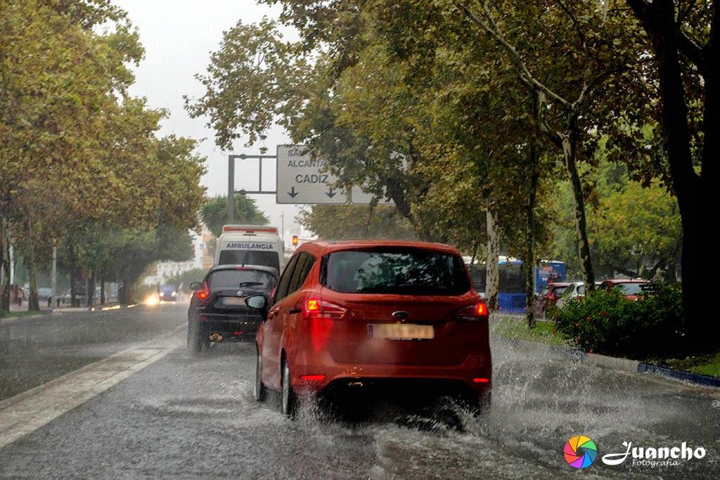 Llueve en Avenida Severo Ochoa Marbella