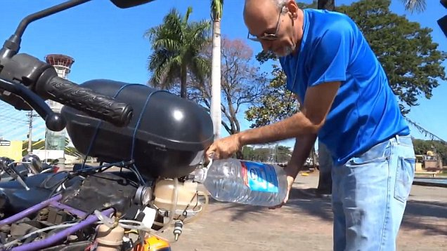 310 Miles With 1 Litre of WATER: Brazilian Man Shows Why We Don't Need Gas