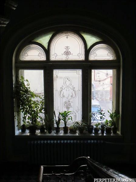 Травленое стекло в петербургском особняке