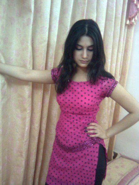 Pakistani School College Girls hot Pictures