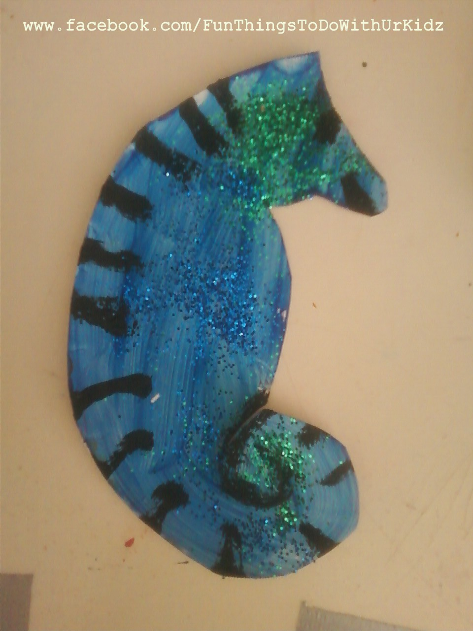& Paper plate seahorse
