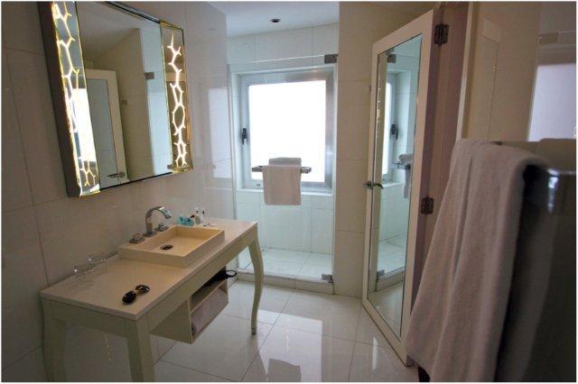 Baño en el Hotel Ur Palacio Avenida en Palma de Mallorca