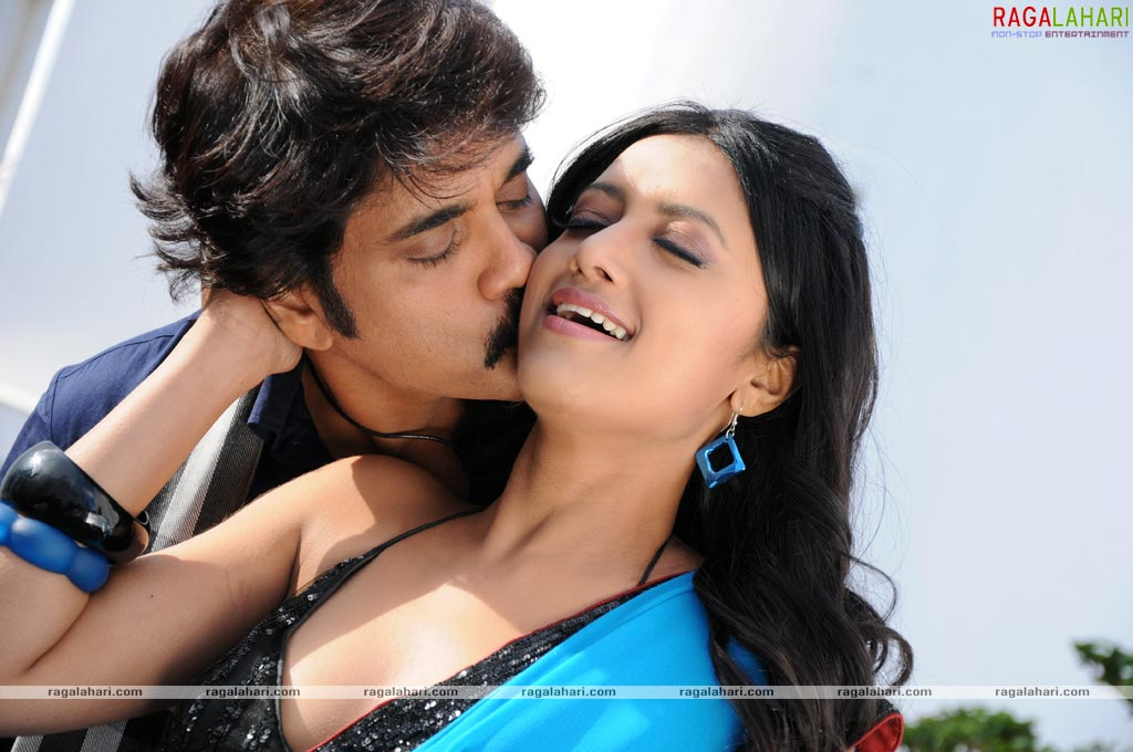 South Indian Actress Hot Kiss