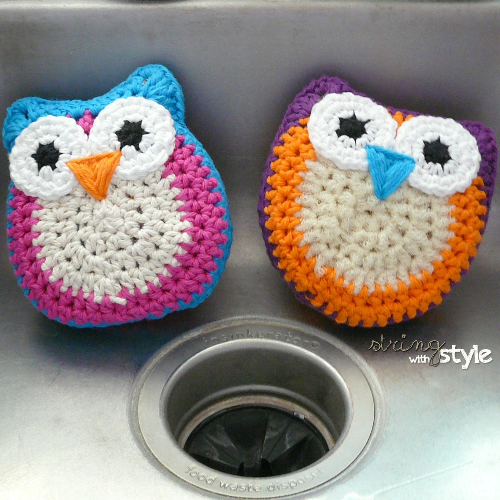 String with style owl dish scrubbie here is the window dressing promised in the scrubbie teaser post from a couple weeks ago how freaking adorable are these little owls bankloansurffo Gallery