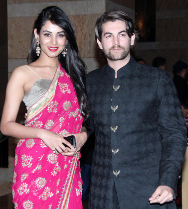 Sonal Chauhan in Pink Saree1 - Sonal Chauhan in Pink Saree at Vashu Bhagnani's daughter Honey Bhagnani's sangeet