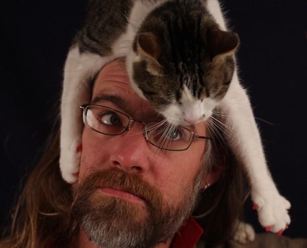 http://3.bp.blogspot.com/-cIttn-TdW4A/TvvhMbhU3oI/AAAAAAACmR8/6jYmNAsTkdw/s1600/cats-as-hats-19.jpg