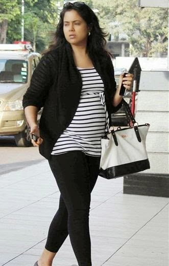 Sameera Reddy Pregnancy Photos