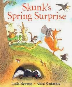 bookcover of Skunk's Spring Surprise  by Lesléa Newman