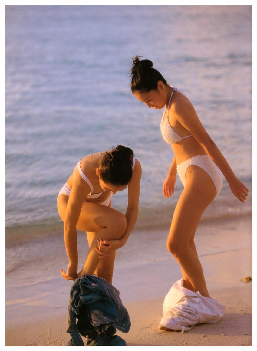 saori nara and yoko mitsuya bikini pics 01