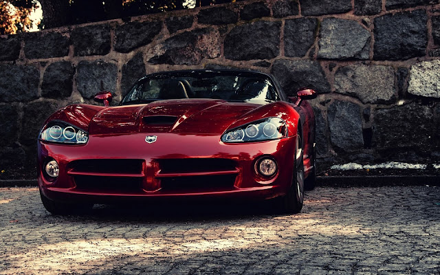 Red Dodge Viper SRT10