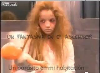 niña, fantasma, broma, ascensor