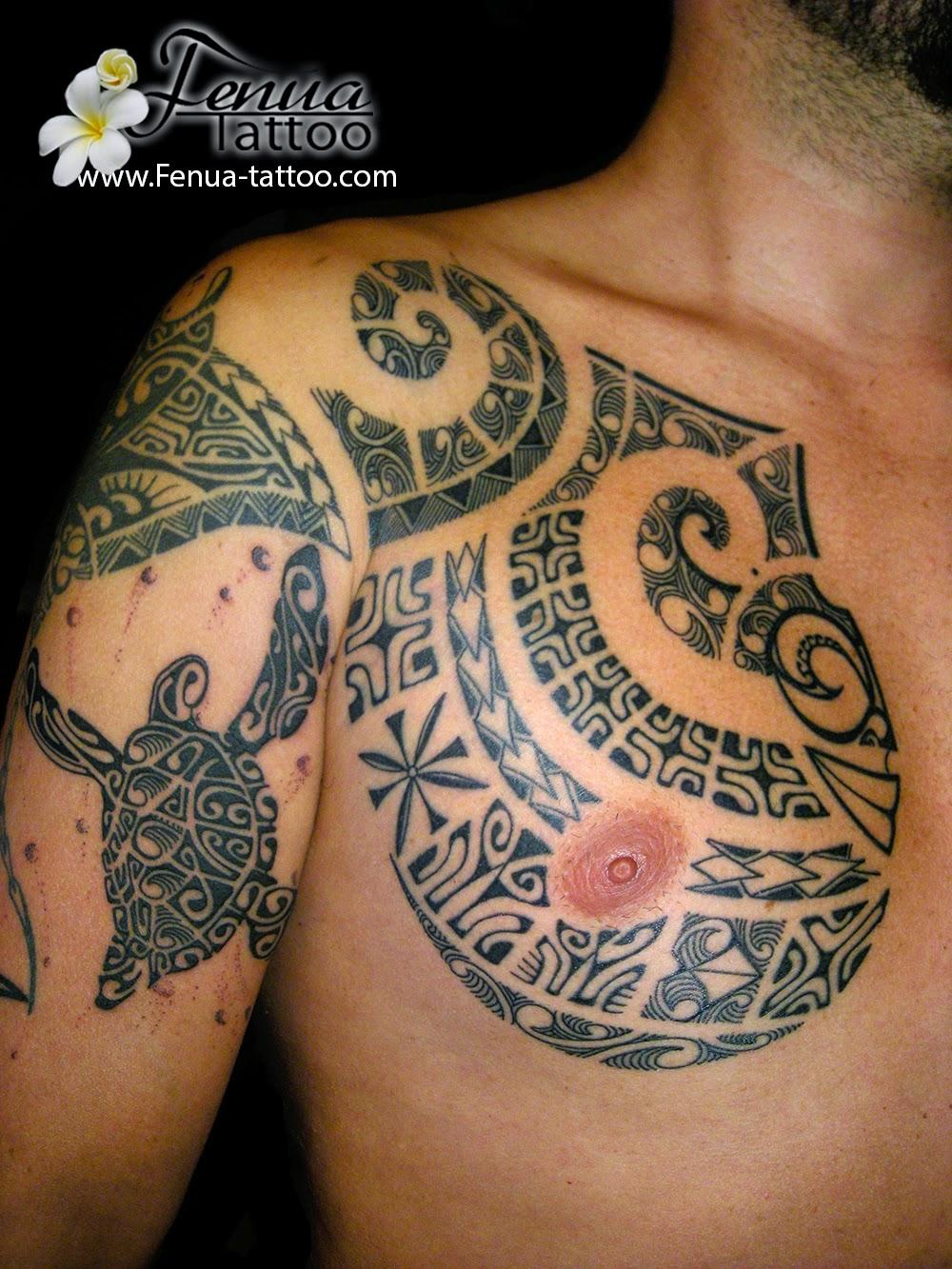 Tatouage Épaule Homme dedans tatouage polynésien tortue homme | tahiti tattoo spécialiste du