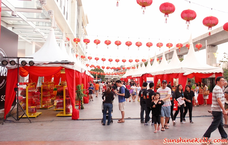 Sunshine Kelly Beauty Fashion Lifestyle Travel Fitness Da Men Chinese New Year Street